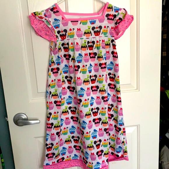 Girls nightgown